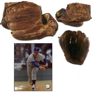 1968-69 Tom Seaver Game-Used Glove, Signed Spalding Glove