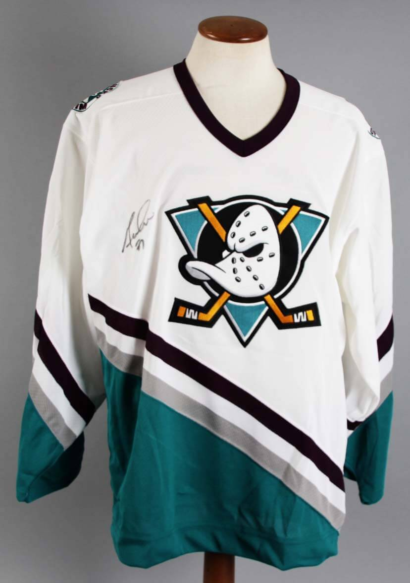buy popular 017f4 2f733 Guy Hebert Signed Anaheim Ducks Jersey - COA JSA