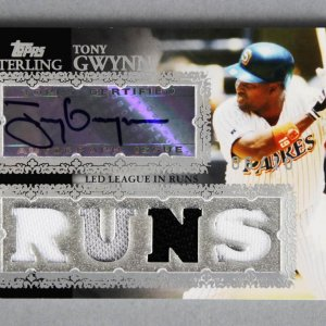 2007 Topps Sterling Tony Gwynn Signed Game Used Padres Jersey Card 6/10