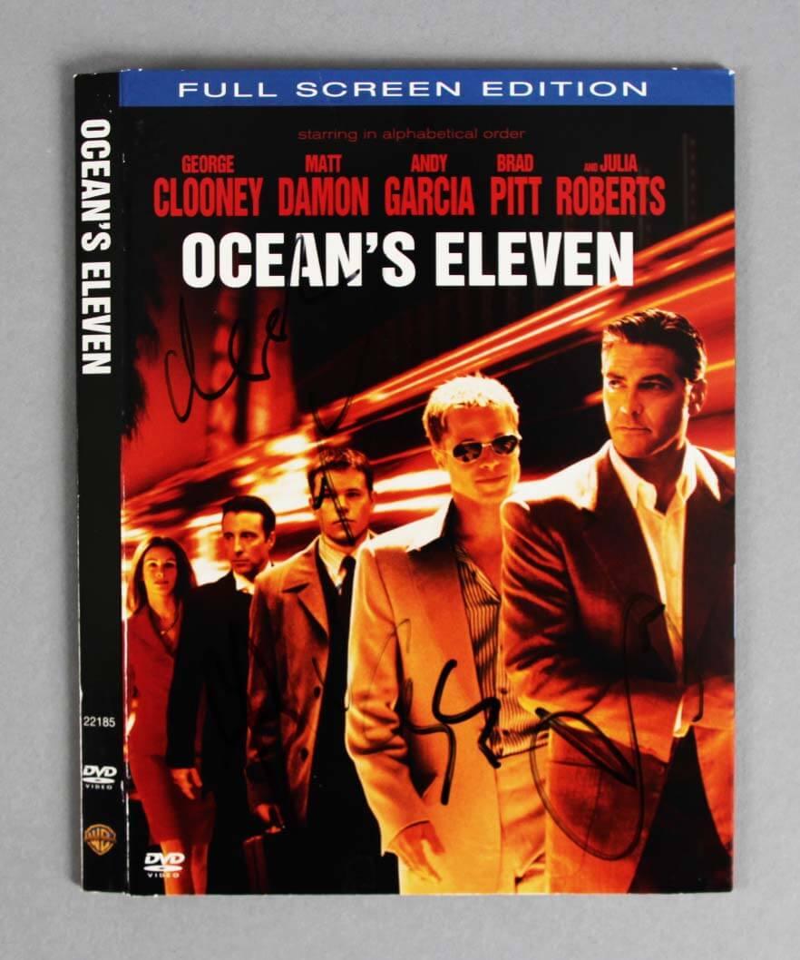 Ocean's Eleven Multi-Signed Clooney, B Pitt, Damon, García DVD Cover - JSA