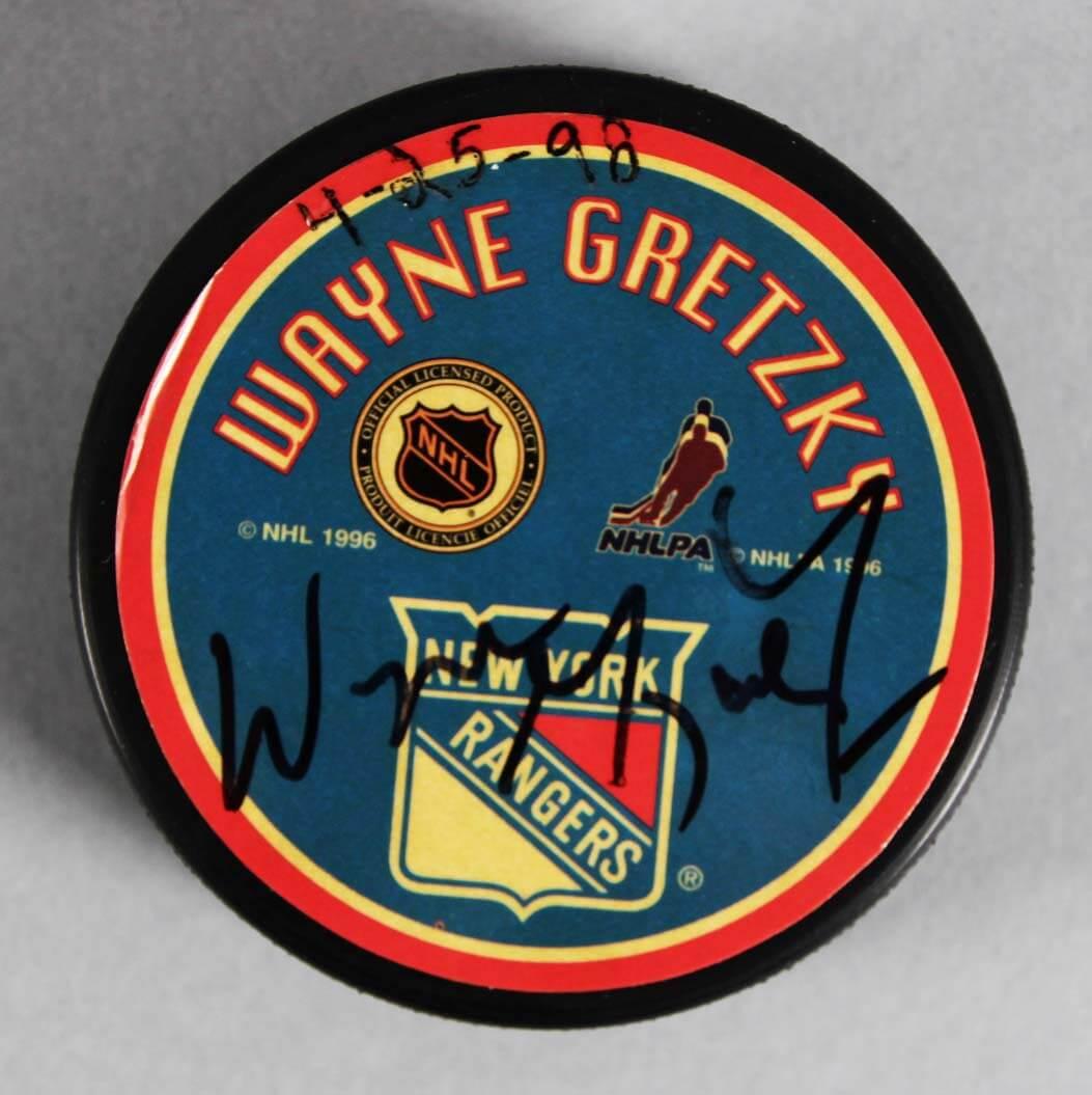 Wayne Gretzky Signed New York Rangers Hockey Puck - JSA