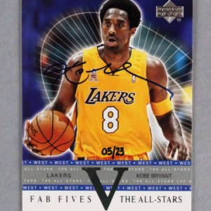 2002 Upper Deck Honor Roll Kobe Bryant Signed Basketball Card Lakers 5/23