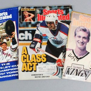 NHL Hockey Lot Signed Magazine Covers - Wayne Gretzky, Mark Messier etc. - JSA