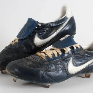 Gary Carter Game-Worn Cleats c. mid 80's-GRADE: 13/20