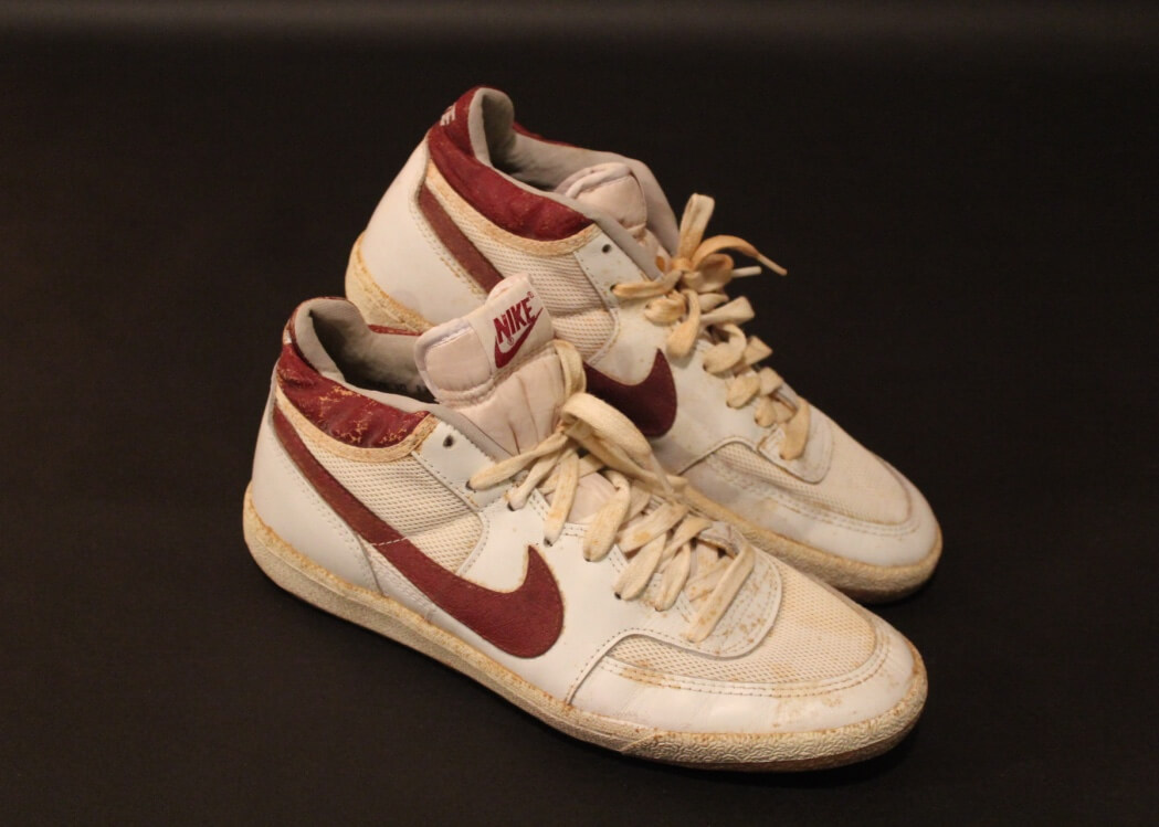 ShoesCirca Tennis Game A Used Signed John Nike Photograph 1983Includes Of Mcenroe Pair kPiuTwOXZ