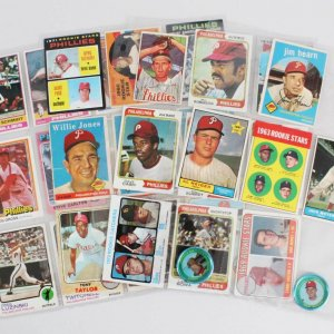 Philadelphia Phillies Vintage Baseball Card Lot (31) - Steve Carlton, Mike Schmidt, etc.