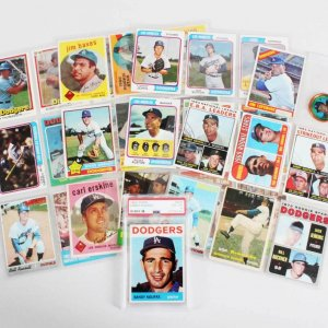 Los Angeles Dodgers Vintage Baseball Card Lot (35) - Sandy Koufax Graded Card, etc.