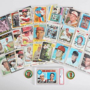 Cincinnati Reds Vintage Baseball Card Lot (64) - Johnny Bench Graded RC Card, Pete Rose, Joe Morgan etc.