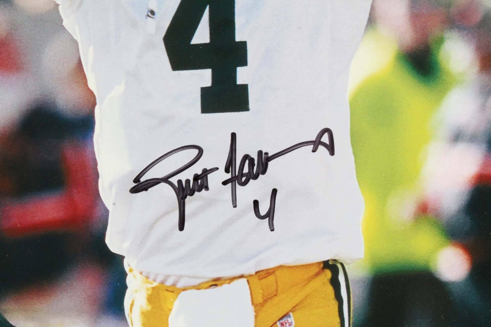Brett Favre Green Bay Packers Signed 22.5 x 37.5″ Photo Display – COA JSA 2e624f6ab