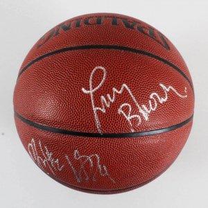Larry Brown Signed Basktball Knicks - COA