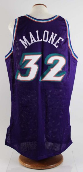 buy online f7572 853ea 2002-03 Karl Malone Game-Worn Utah Jazz Jersey