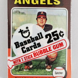 1975 Topps Mini Cello Baseball Card Pack Sealed w/ Stars incl. Charlie Sands, Thomas Griffin etc.