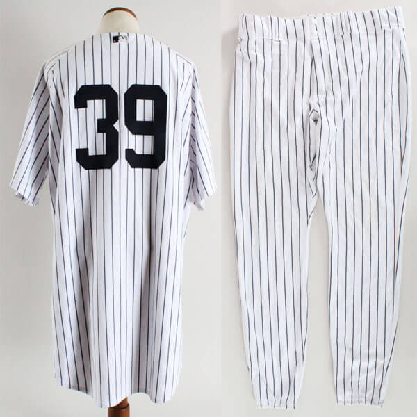 the best attitude c6b4a a01aa 2006 Darryl Strawberry Game-Worn Yankees Uniform- Old ...