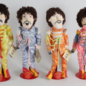 1988 Apple Corp The Beatles Sgt Peppers Dolls