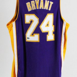 Kobe Bryant Signed Los Angeles Lakers Jersey Kid's L - Panini