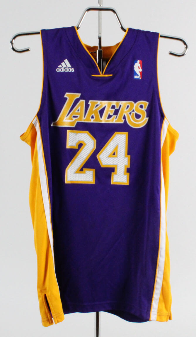 7639036e4 Kobe Bryant Signed Los Angeles Lakers Jersey Kid s L – Panini ...