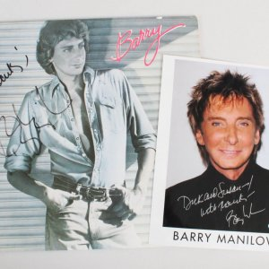 Barry Manilow Signed Record & 8x10 Photo - COA JSA