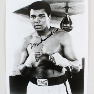 Muhammad Ali Signed 8x10 Photo - JSA Full LOA