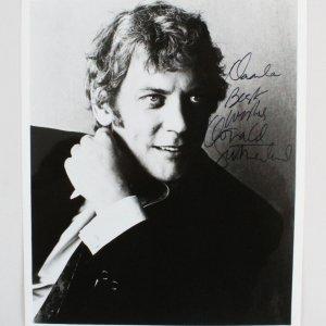 Donald Sutherland Signed 8x10 Photo - COA JSA