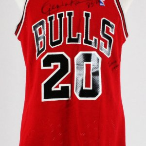 Gene Banks Game-Worn, Signed Jersey Chicago Bulls