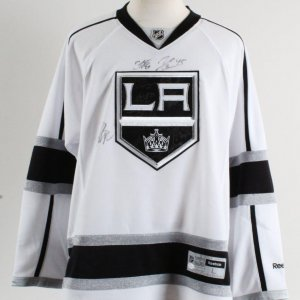 2011-12 LA Kings Team-Signed Jersey - COA JSA