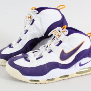 Derek Fisher Game Shoes Los Angeles Lakers 2002