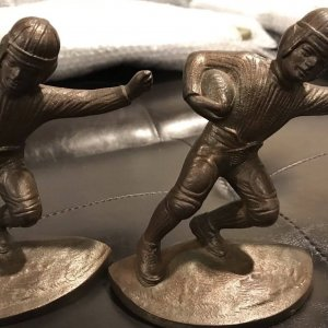 ANTIQUE HUBLEY NFL FOOTBALL PLAYER 1905-1920 ART STATUE BOOKENDS RARE!
