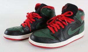 Nike Air Jordan 1 Shoes & Airbrushed Sweatshirt Owned by Tyga