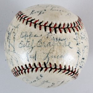1932 Cincinnati Reds Team-Signed Baseball - COA JSA