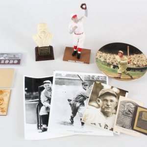 Rogers Hornsby Lot Cardinals - Photos, Statues etc.