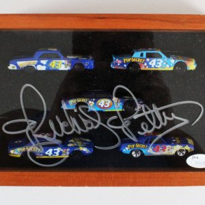 Richard Petty Signed Car Display NASCAR - COA JSA