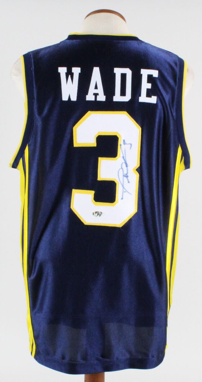 48e3bb47435 Dwyane Wade Signed Jersey Marquette Golden Eagles – COA ...