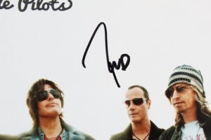 Stone Temple Pilots Signed Photo w/ Chester Bennington - COA JSA