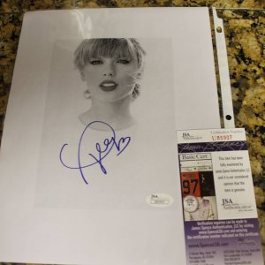 Taylor Swift Signed Autograph PAPER Photo 8X10 JSA certified