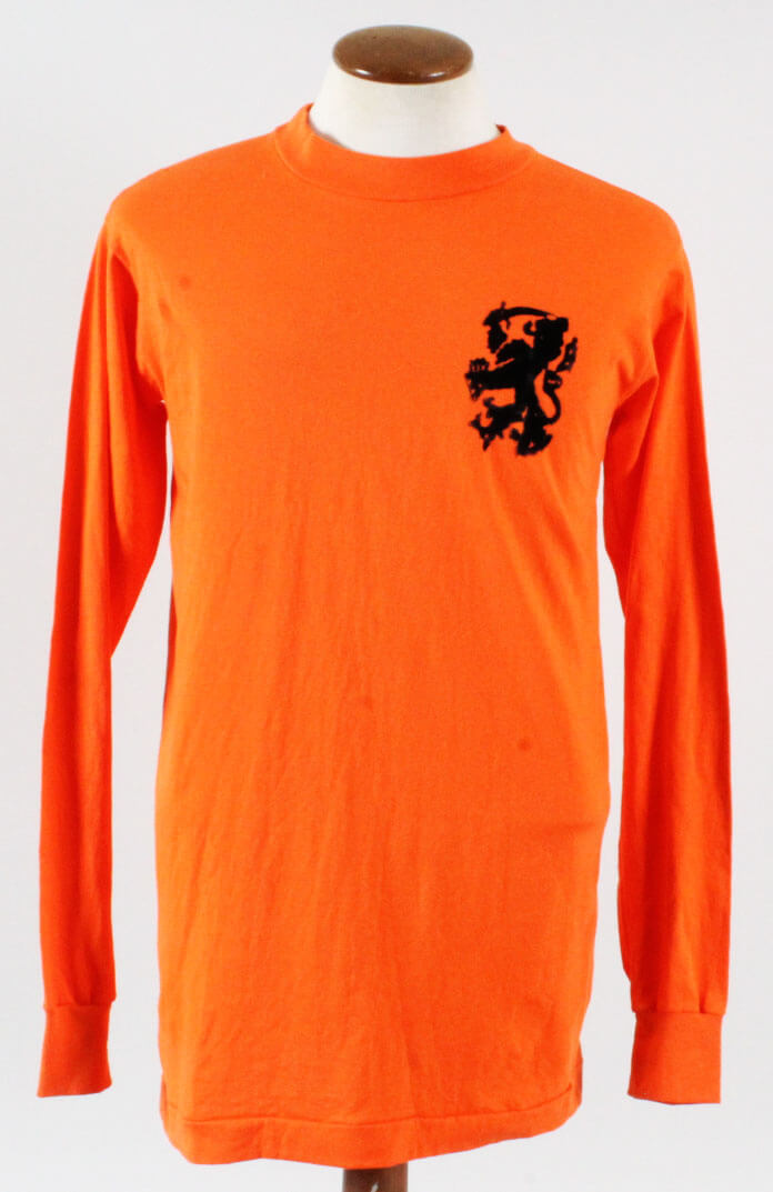 1971 Johan Cruyff Game-Worn Jersey Netherlands National Team – COA 100%  Authentic Team a2084bd48