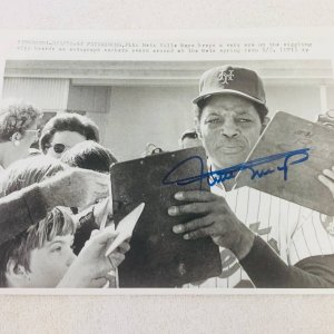 Willie Mays New York Mets Signed Original Wire 8x10 Photo JSA