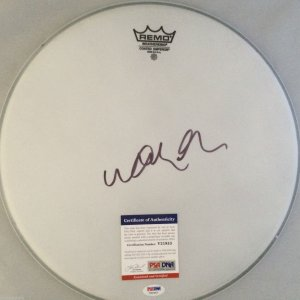 Willie Nelson Signed Drumhead PSA/COA