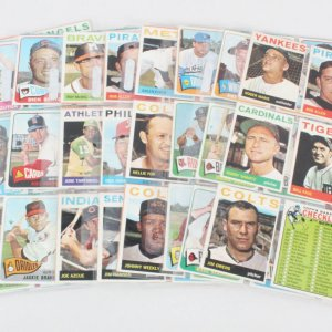 1964 & 1965 Topps Baseball Card Lot (160+) Roger Maris, Gil Hodges, etc.