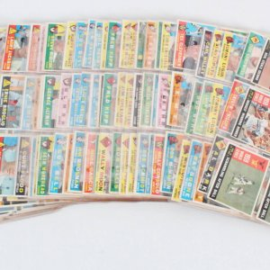 1960 Topps Baseball Card Lot (307) Roger Maris, Sandy Koufax, Yogi Berra etc.