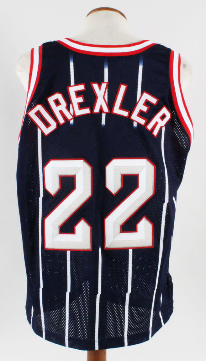 huge selection of 8579f f665a 1997-98 Clyde Drexler Game-Worn Jersey Rockets - COA 100% Authentic Team
