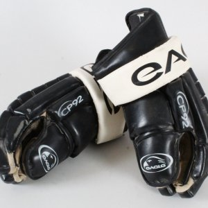 Rick Tocchet Game-Used Hockey Gloves Kings - COA 100% Authentic Team