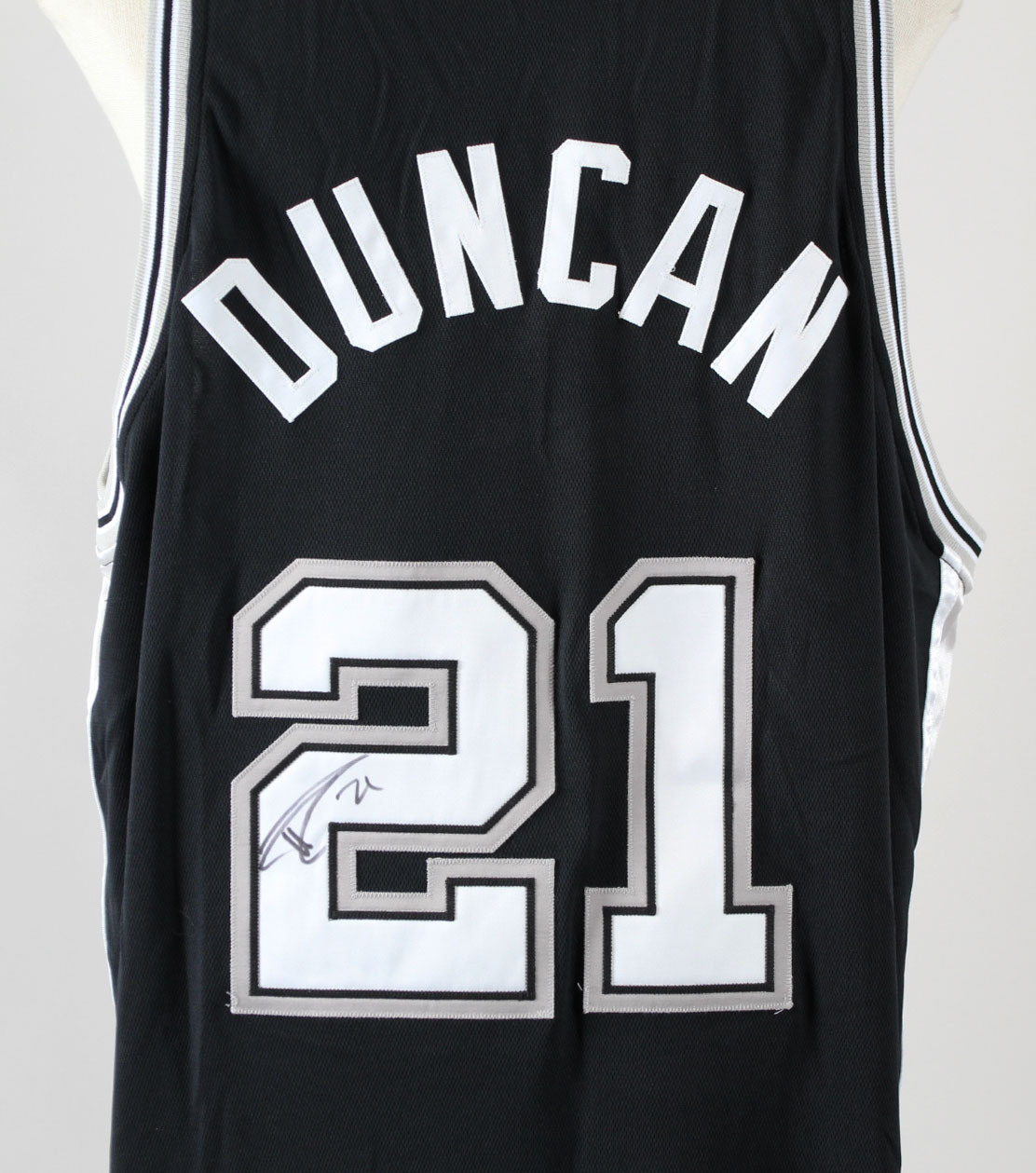 big sale 3944e aa189 Tim Duncan Game-Worn Jersey Signed w/ Shorts Spurs - COA JSA & 100%  Authentic Team