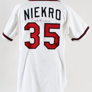 1993 Phil Niekro Game-Worn Jersey Signed Braves