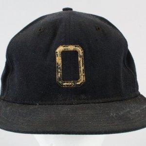 Bernie Williams Game-Used Hat Signed Oneonta Yankees GRADE UTA