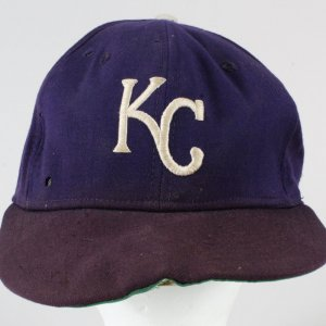 George Brett Game-Used Baseball Hat- KC Royals GRADE: UTA