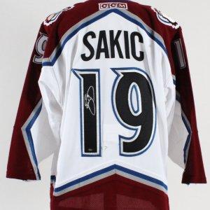 Joe Sakic Signed Jersey Avalanche - COA