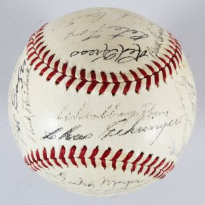 1940 A.L. Champion Detroit Tigers Signed Baseball Hank Greenberg MVP