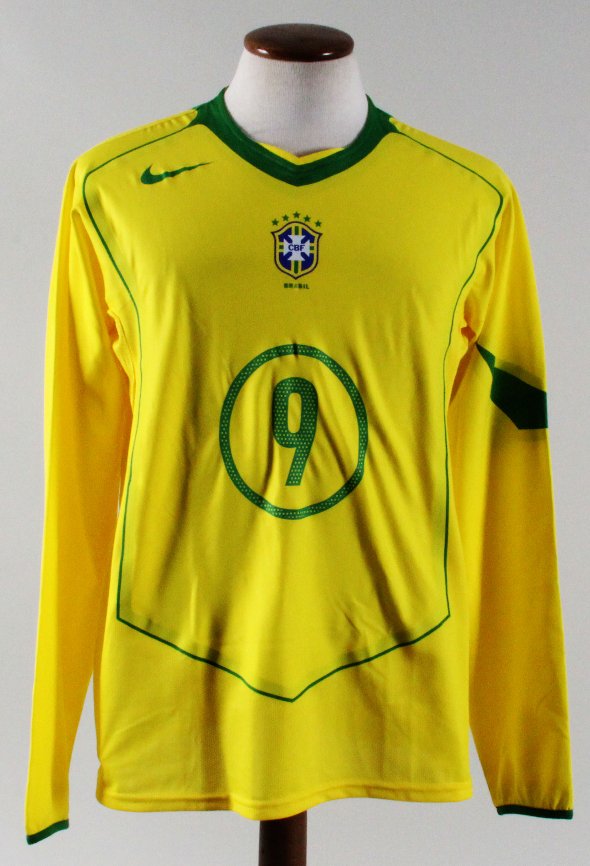 purchase cheap 8214d be9bc Ronaldo Game-Worn Jersey Brazil National Team #9 Luis Fabiano