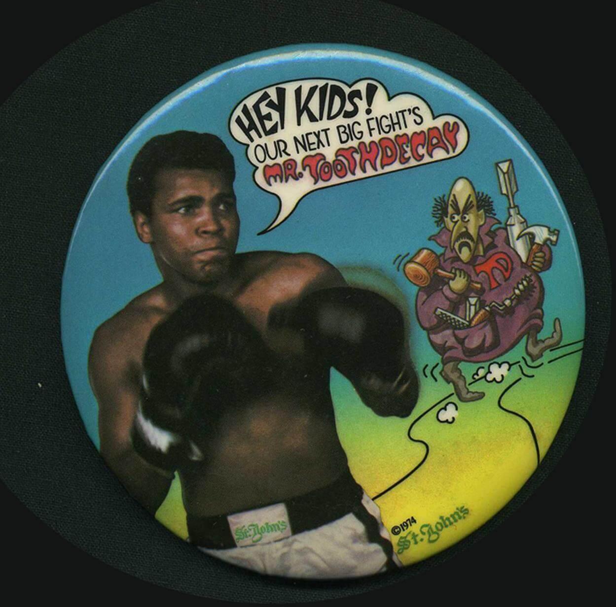 1974 Muhammad Ali Large Pinback