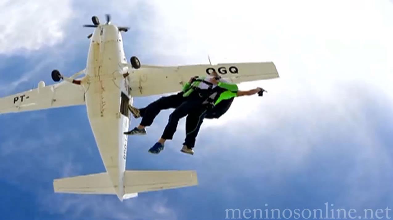 Extra: Salto de Paraquedas (Jonathan & Júnior & Hugo)